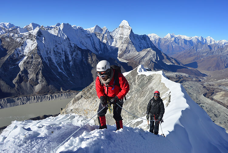 Island Peak Climbing Expedition fixed departure spring/autumn 2016/2018 cost & itinerary